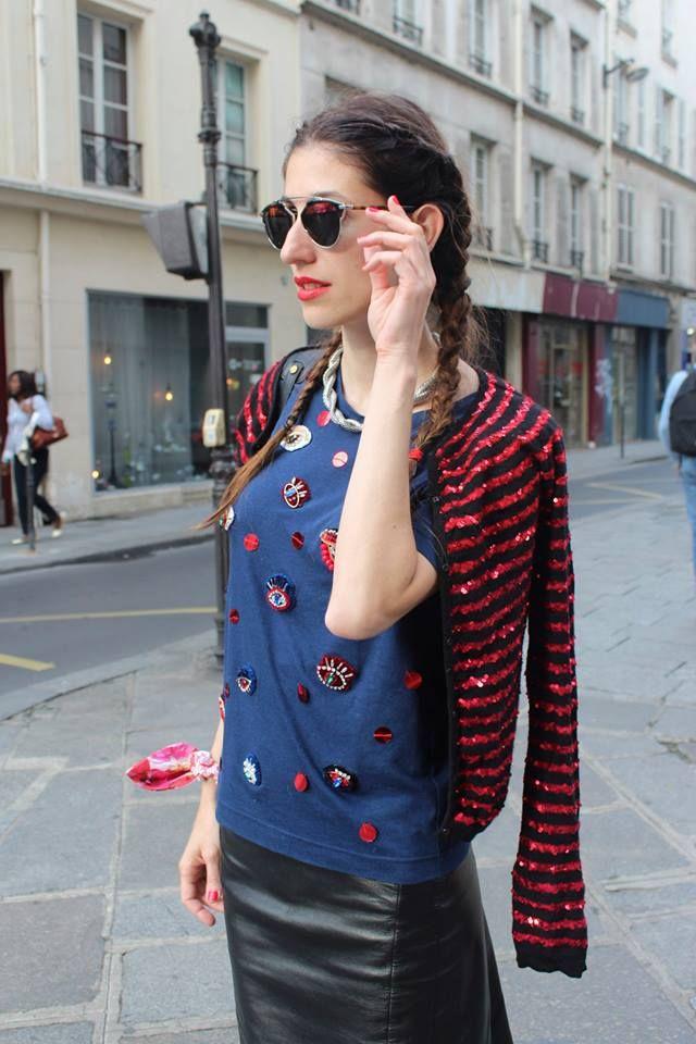 Paris is all about kisses