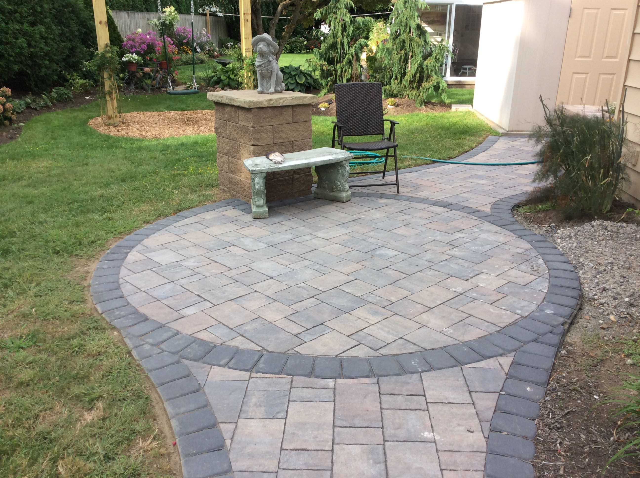 Hardscape project in Erie PA Belgard urbana pavers used for the
