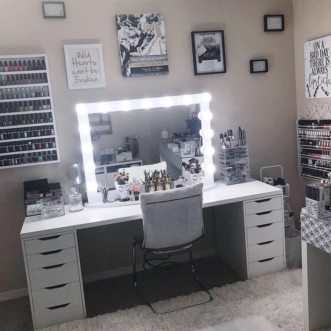 Pin by ♔ A L I C I A ♔ on ღ Vαиιту ღ Beauty room vanity