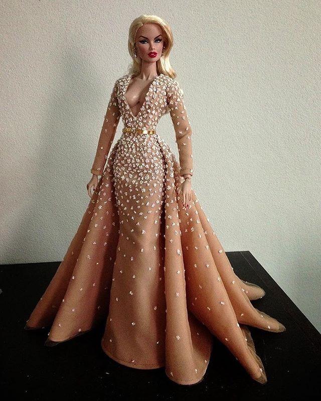 Zuhair Murad …   Vestidos de muñecas barbie, Muñecas de moda