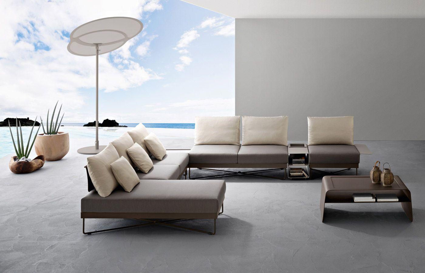 Mobili Italiani Di Lusso : Outdoor furniture roberti intérieurs contrastés en bw bois