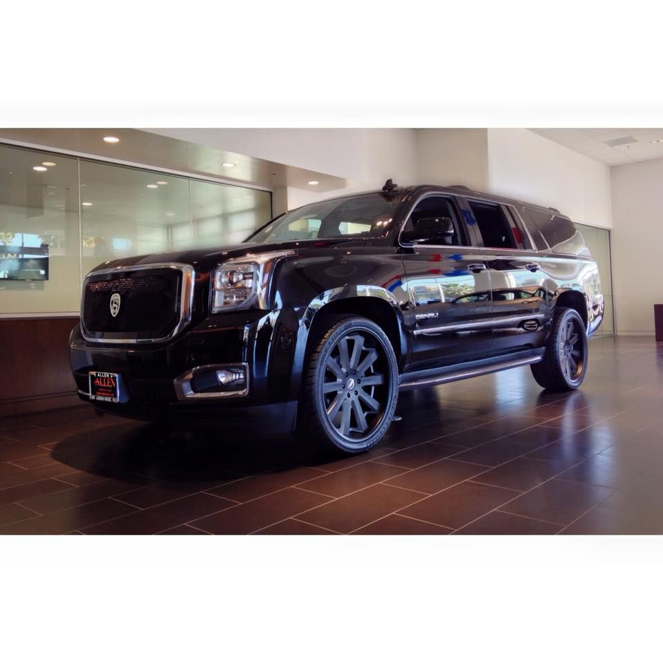 This Gmc Yukon Really Knows How To Strut It S Stuff This 2015 Gmc
