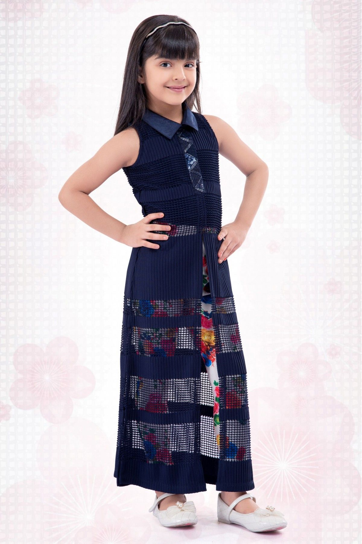 441eba4ebfd8 Looks charming and pretty this new year by wearing top designers salwar  suit.