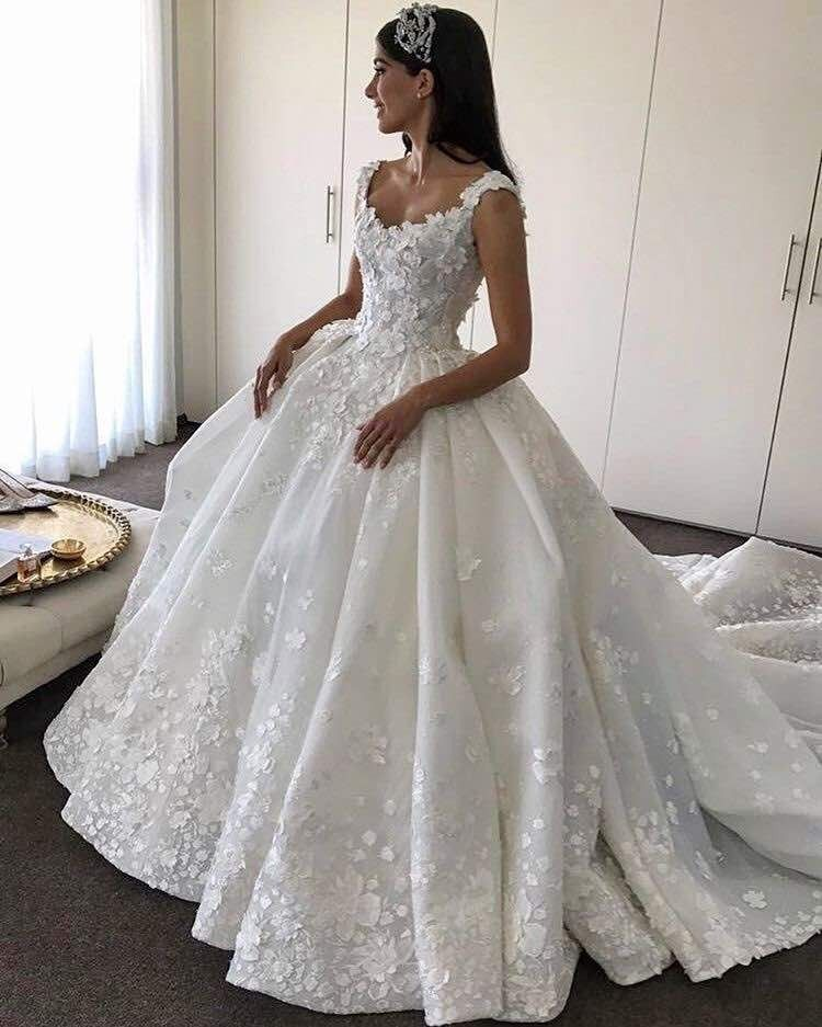 2018 Stunning Top Quality Princess Ball Gown Luxury Beaded Lace Wedding  Dresses 95d6919f44c7