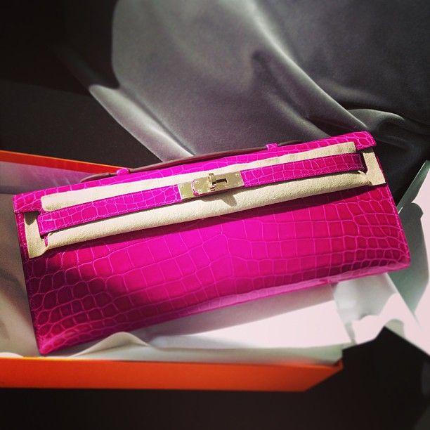 Hermes Kelly Cut in pink crocodile  82983cfec3