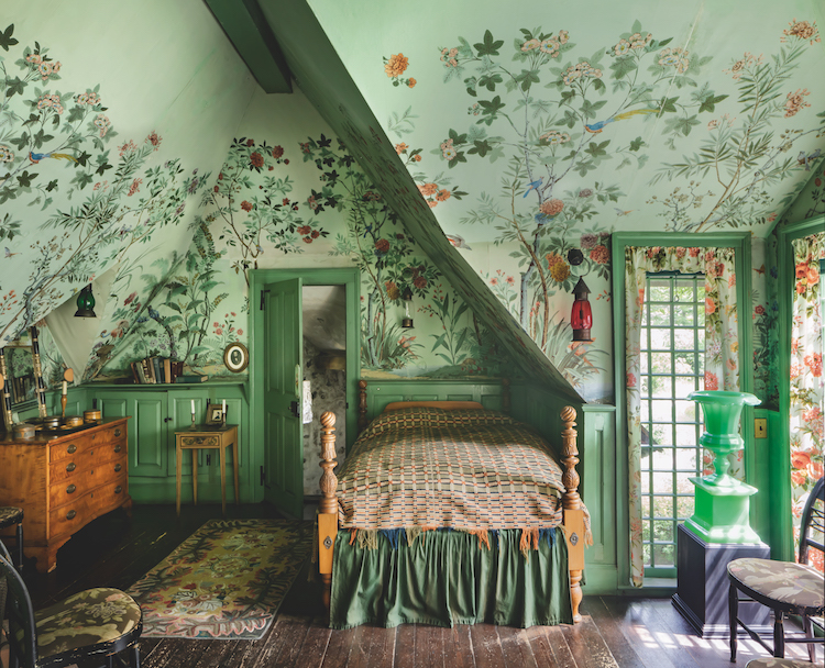 Two Centuries Of Scenic Wallpaper Explored In This
