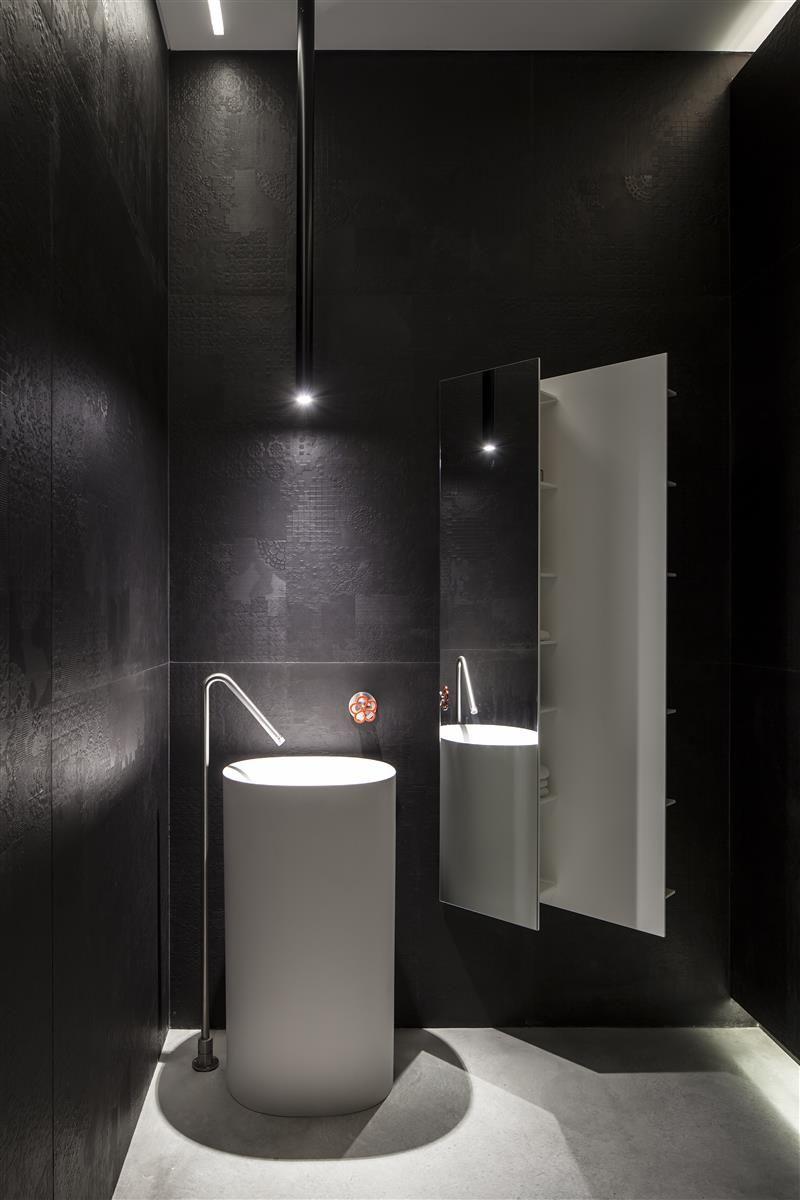 2 waschbecken badezimmer eitelkeiten house in ramat gan by pitsou kedem architects  bathroom ideas