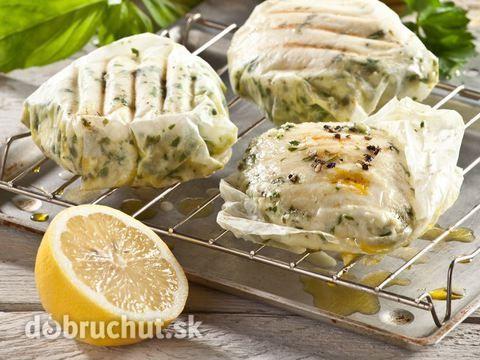 Mozzarella s citrónom, cesnakom a bazalkou