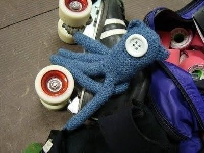 Kitty Squid From Coraline  •  Free tutorial with pictures on how to make a squid plushie in under 180 minutes