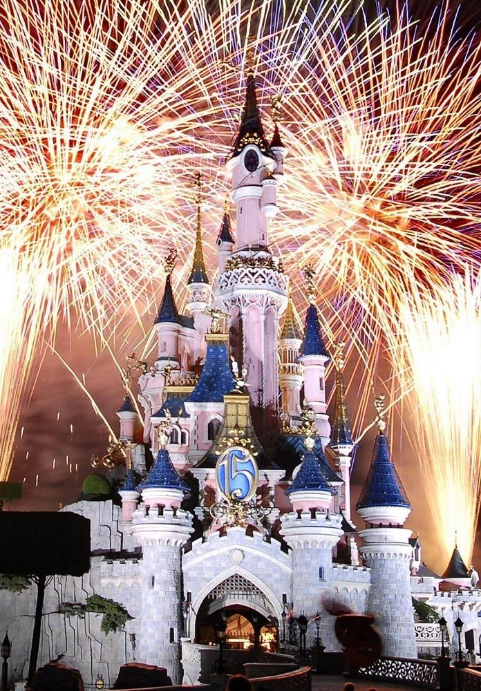 New Year S Eve At Disneyland Were Going Disneyland Fireworks Disneyland Paris Disney Paris