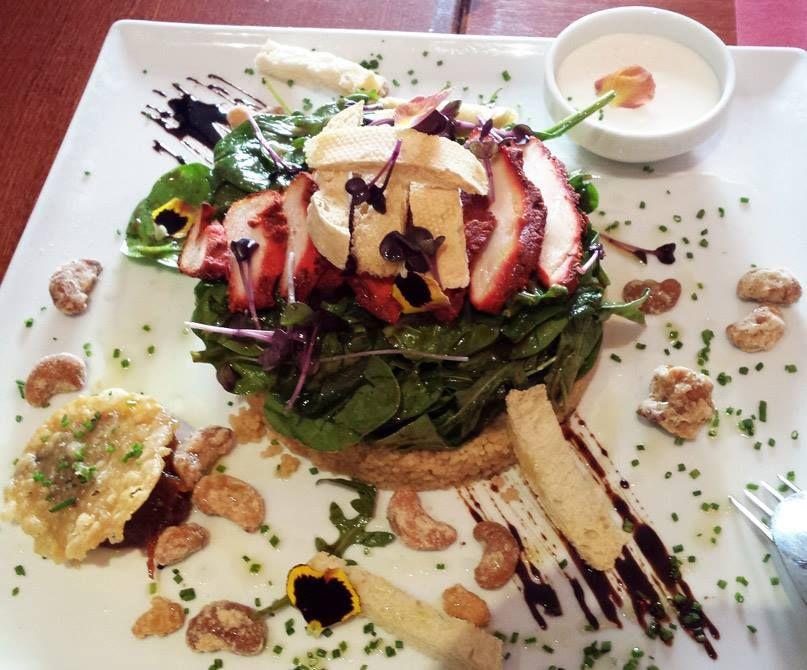 #Ensalada de pollo tandoori del restaurante Asako #Malaga a domicilio www.foodmesenger.com