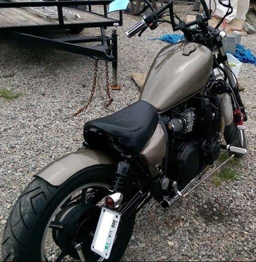 Xj700 Yamaha Maxim Cafe Racer Bikes Bobber Bikes Yamaha Bobber