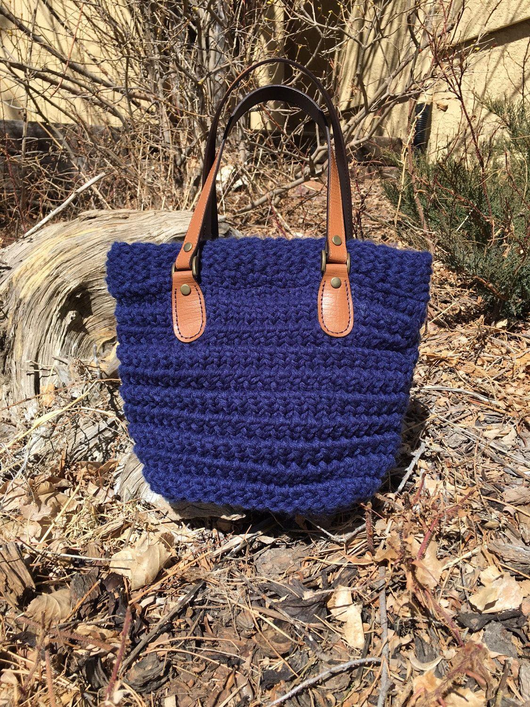 Horsetooth Handbag -- a loom knit pattern | Loom Knitting - my ...