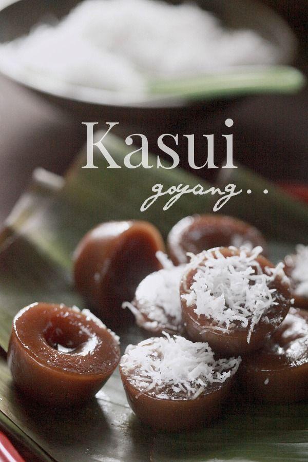 Assalamualaikum Jika Semalam Kita Dah Menikmati Keenakkan Kuih Koci Yang Lembut Dan Meleleh Leleh Hari Malaysian Food Desserts Asian Desserts Nyonya Food