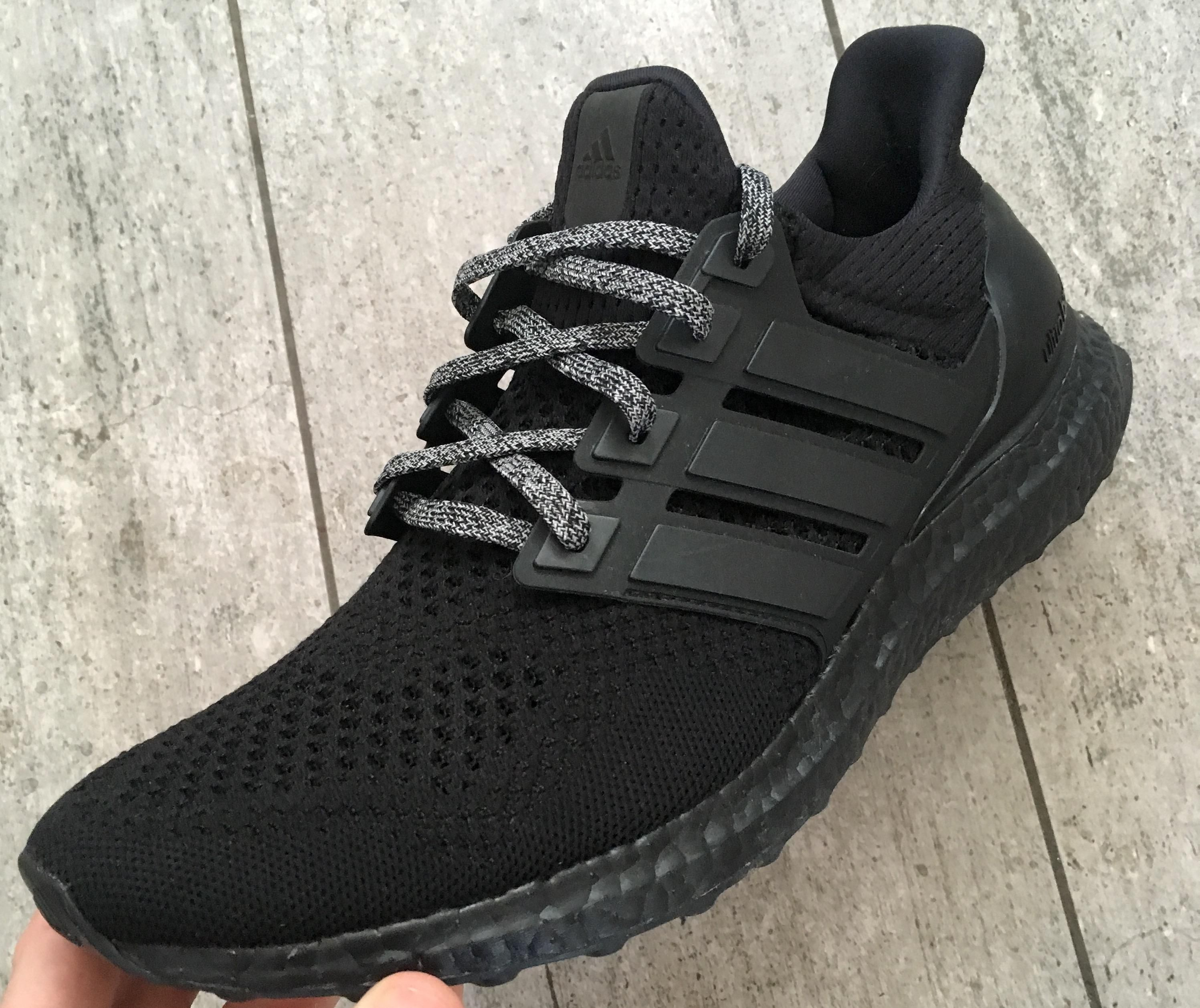 adidas ultra boost 3.0 OREO BLACK WHITE 10.5 DS IN HAND
