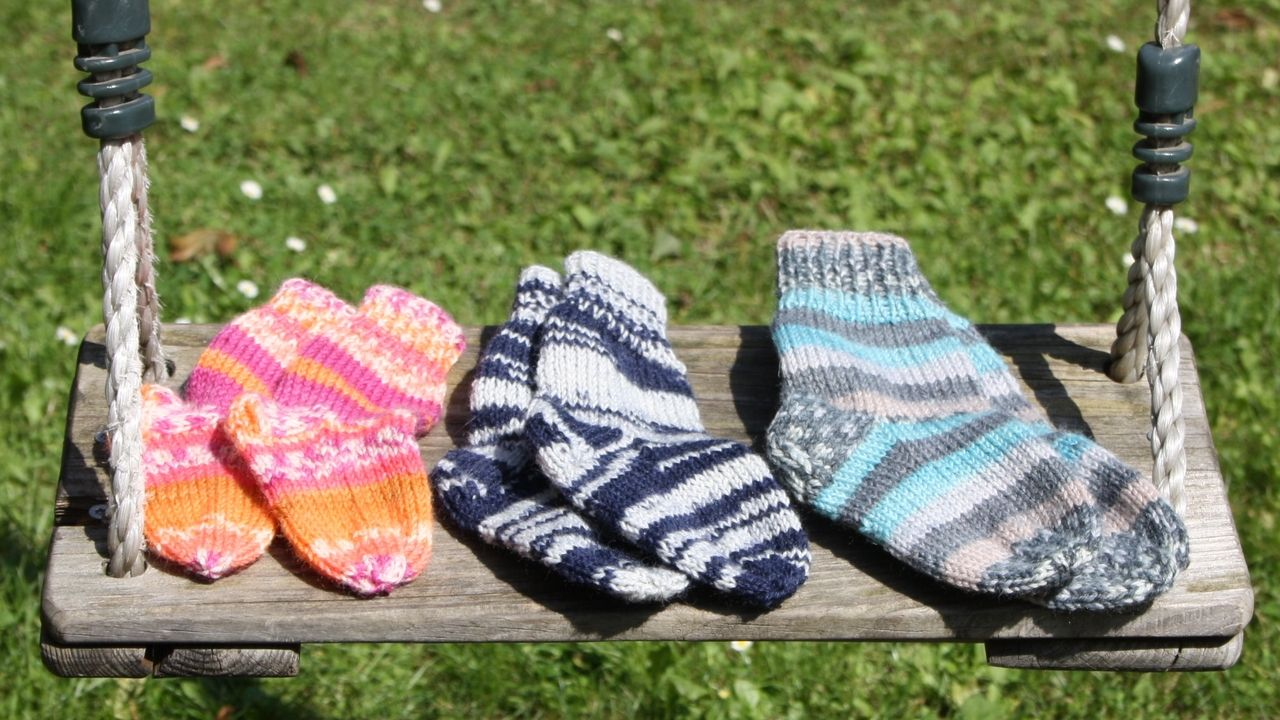 Photo of Knit baby socks: free pattern with photos – Utopia.com