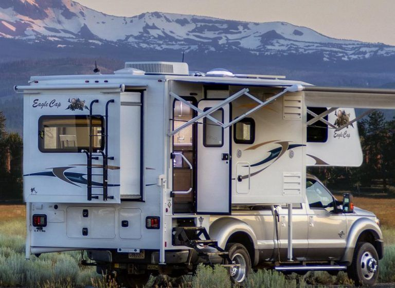 Eagle Cap Luxury Truck Camper Model 1200 Slide In Truck