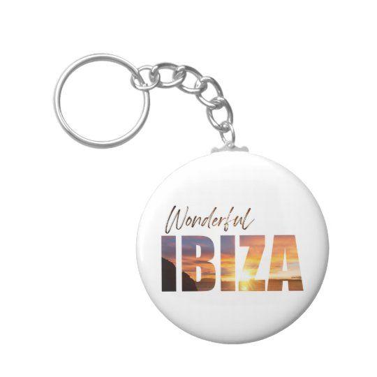 Llavero con el texto wonderful Ibiza
