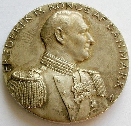 1949 DENMARK LARGE SILVER GILT BRONZE MEDAL KING FREDERIK IX 50th BIRTHDAY | eBay