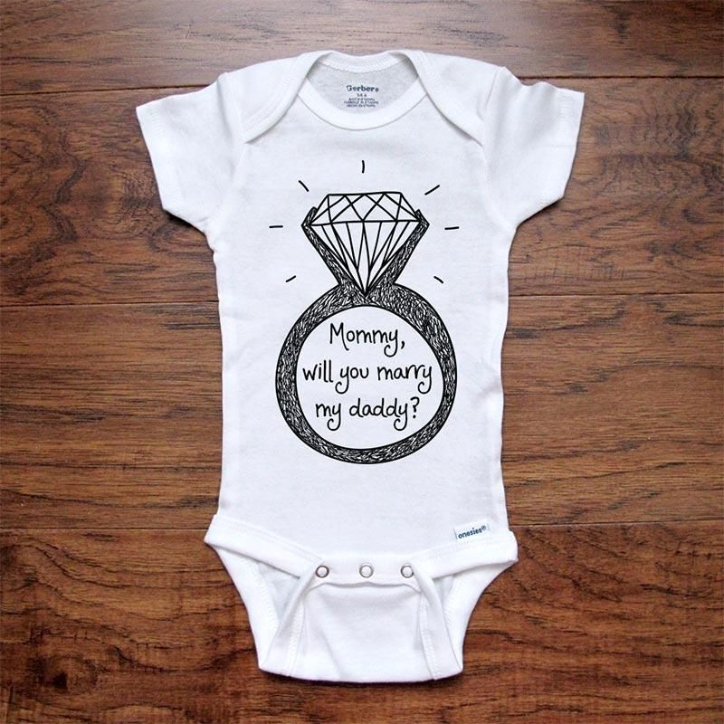 PRINTED SHORT SLEEVED BABY VEST//BODYSUIT MUMMY WILL YOU MARRY DADDY