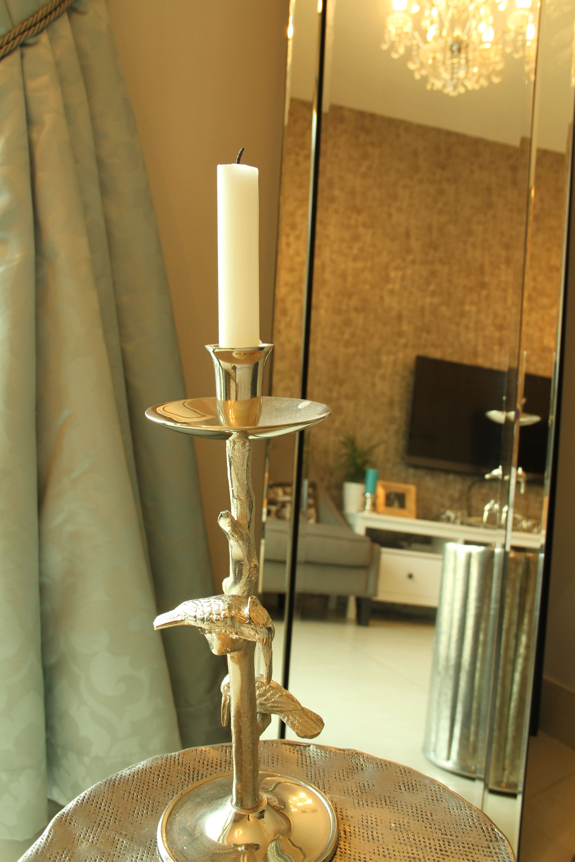 Accessories and mirrors to create a beautiful corner area adore