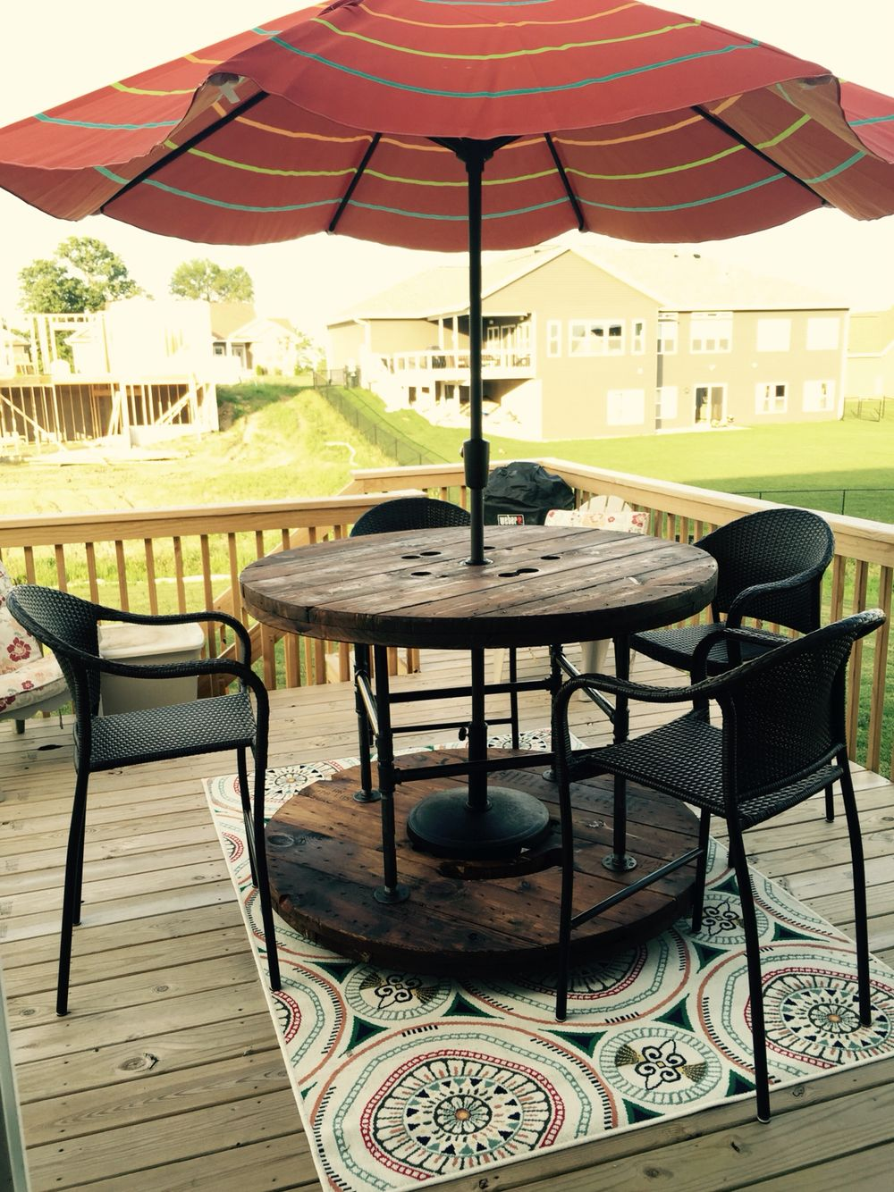 Custom spool table brico recycle pinterest backyard for Large wooden spools used for tables