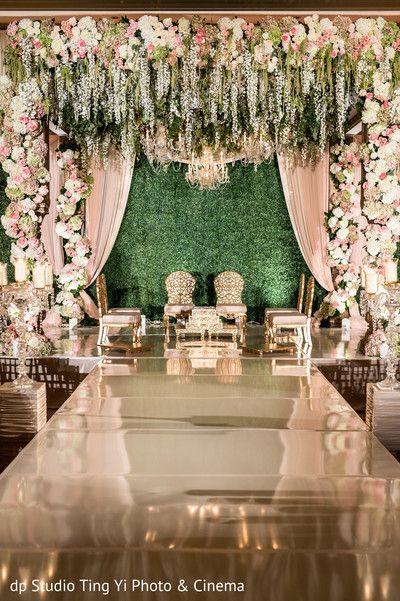 Ecstatic Wedding Ceremony Aisle And Mandap Wedding Hall