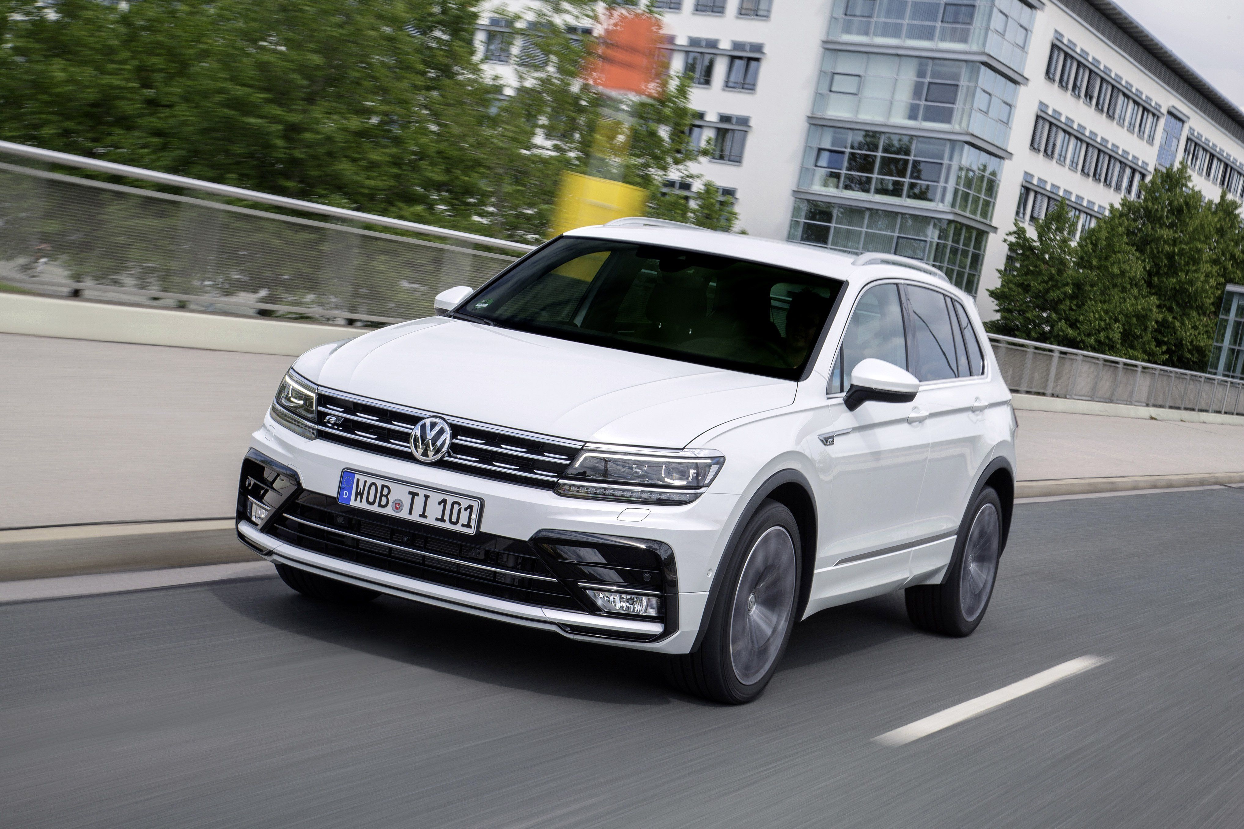 1783631ff6a03e24b92b0b0fd4278ea3 Interesting Info About 2018 Vw Tiguan R Line with Mesmerizing Pictures Cars Review