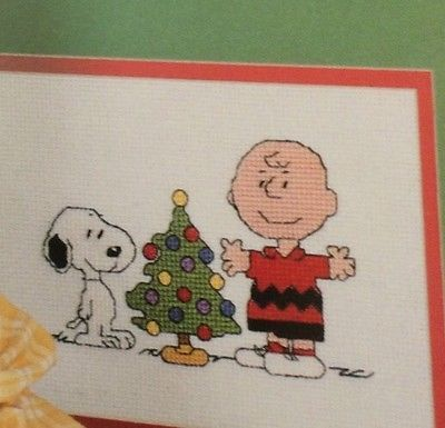 Peanuts All Year Long Cross Stitch Pattern Book Snoopy Charlie Brown 12 Charts
