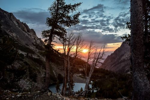 Sunrise from Paintbrush Canyon Tetons [OC] [6000x4000] Original...