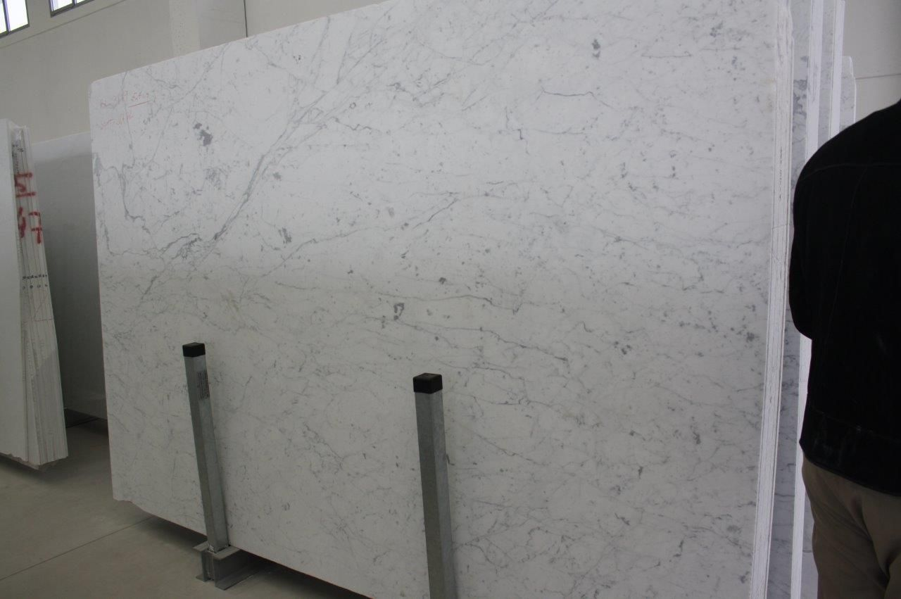 Carrara Gioa Extra Beautiful Marble Slabs Arriving From Italy 6 16 Marble Slab Stone Slab Design