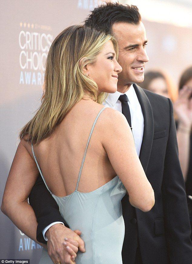 Jennifer aniston started dating justin