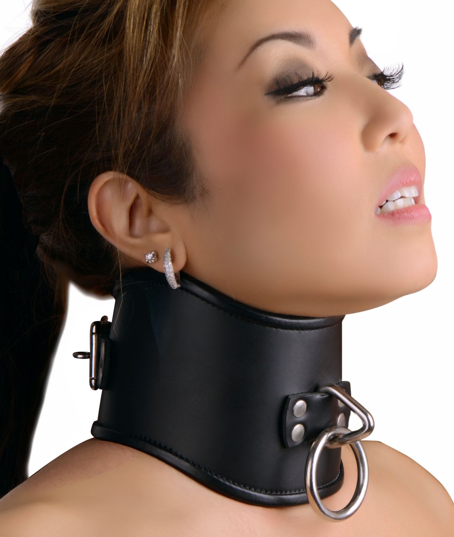 posture in collars slaves Female