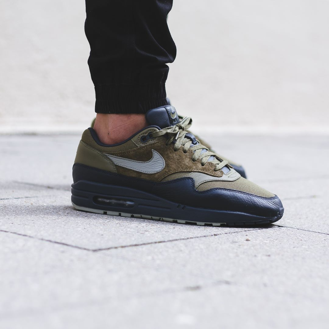 Nike Air Max 1 Premium Dark Stucco Credit : BSTN