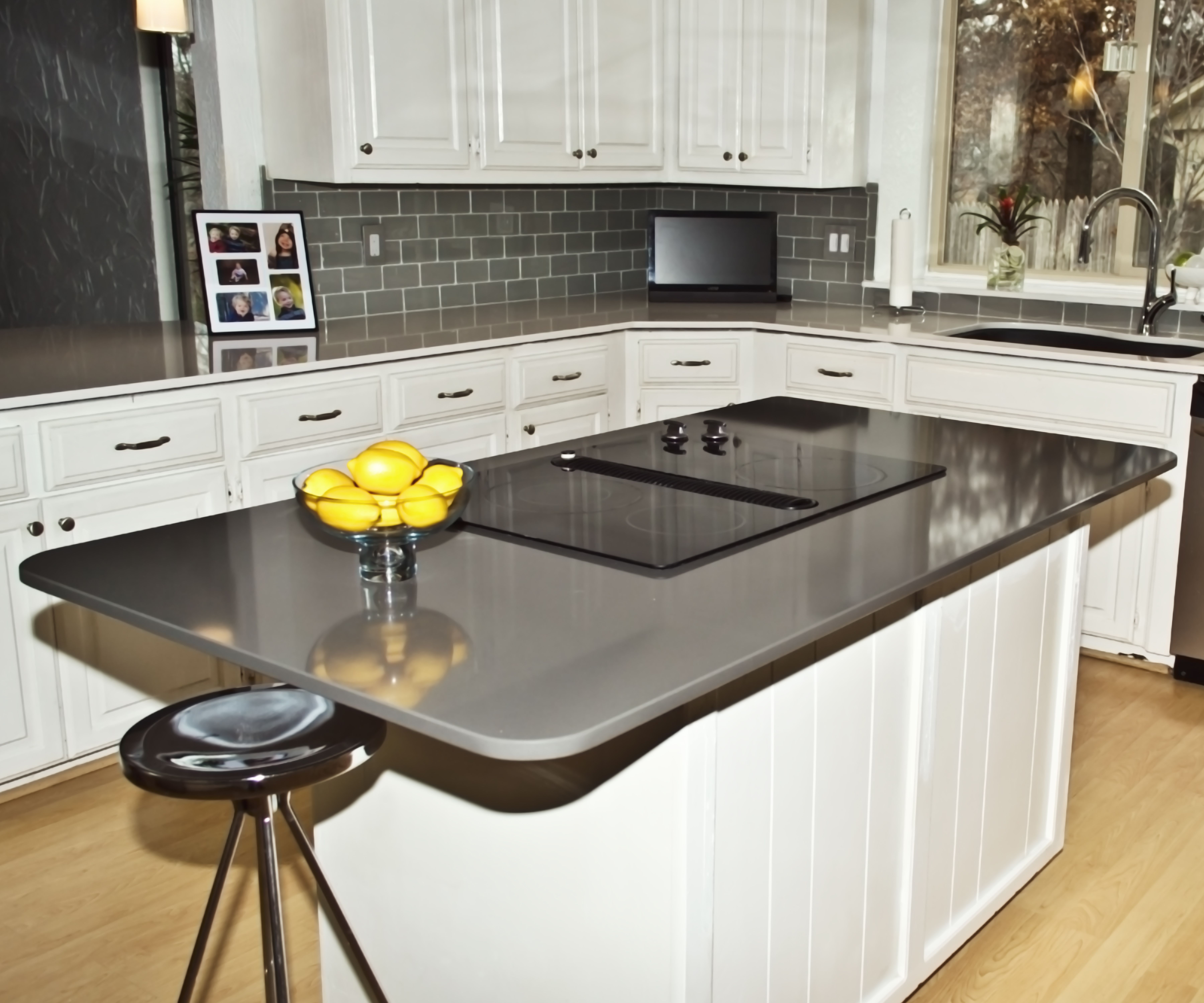 Silestone Quartz Countertops For Kitchens : Island countertop silestone cemento install photos