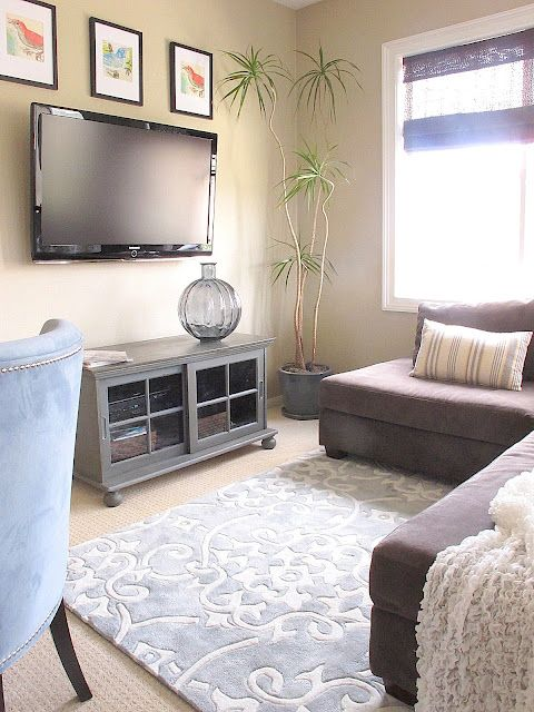 Love the rug home orgies organize ideas pinterest - Small living room ideas with tv ...