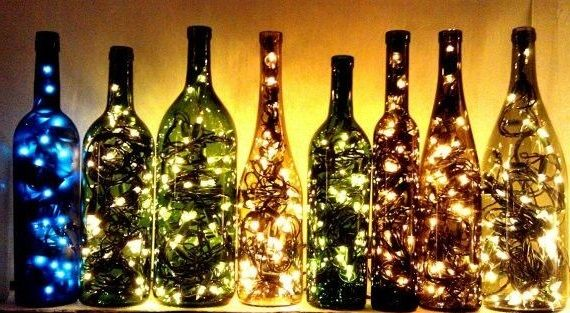 recycled wine botlles transformed into lanterns lichter leere weinflaschen lampe aus. Black Bedroom Furniture Sets. Home Design Ideas
