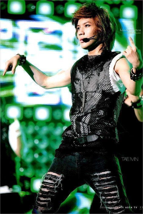 Taemin hmmm what era is this? Is it Lxxxfer? Yuh Huh! My favorite part's of the choreography is the tutting arm's! the chest bop, and the pose SHINee holds at the end of the song. I realize now that Taemin know's how to pop! Gosh I love him more for that It would be cool to see him do it freestyle! Aside from the dancing, this is also my favorite song and fashion, especially the hair.