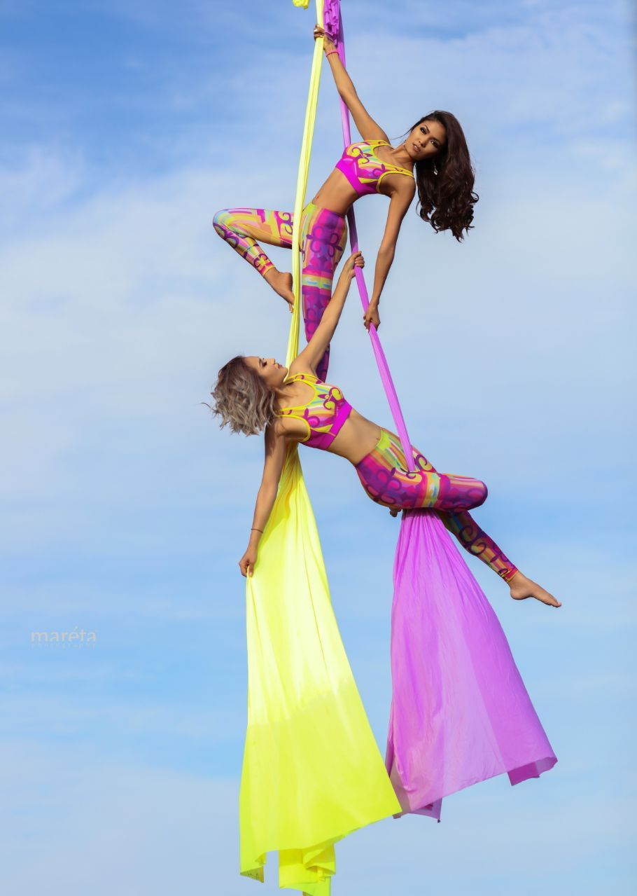 Aerial yoga hammock set with rigging equipment products