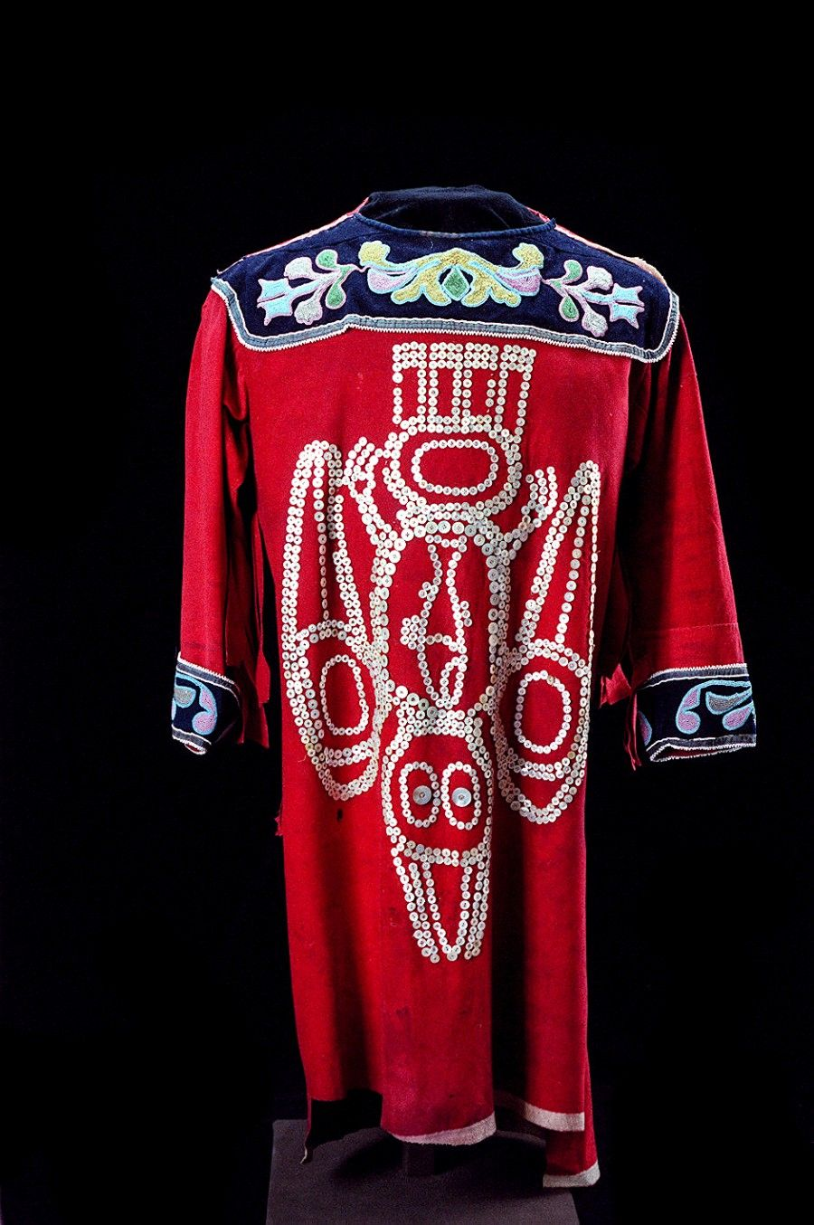 """Tahltan """"Diving Raven"""" button tunic. Date unknown. Wool cotton, silk, glass beads, shell buttons. Royal BC Museum. @briarpatched"""
