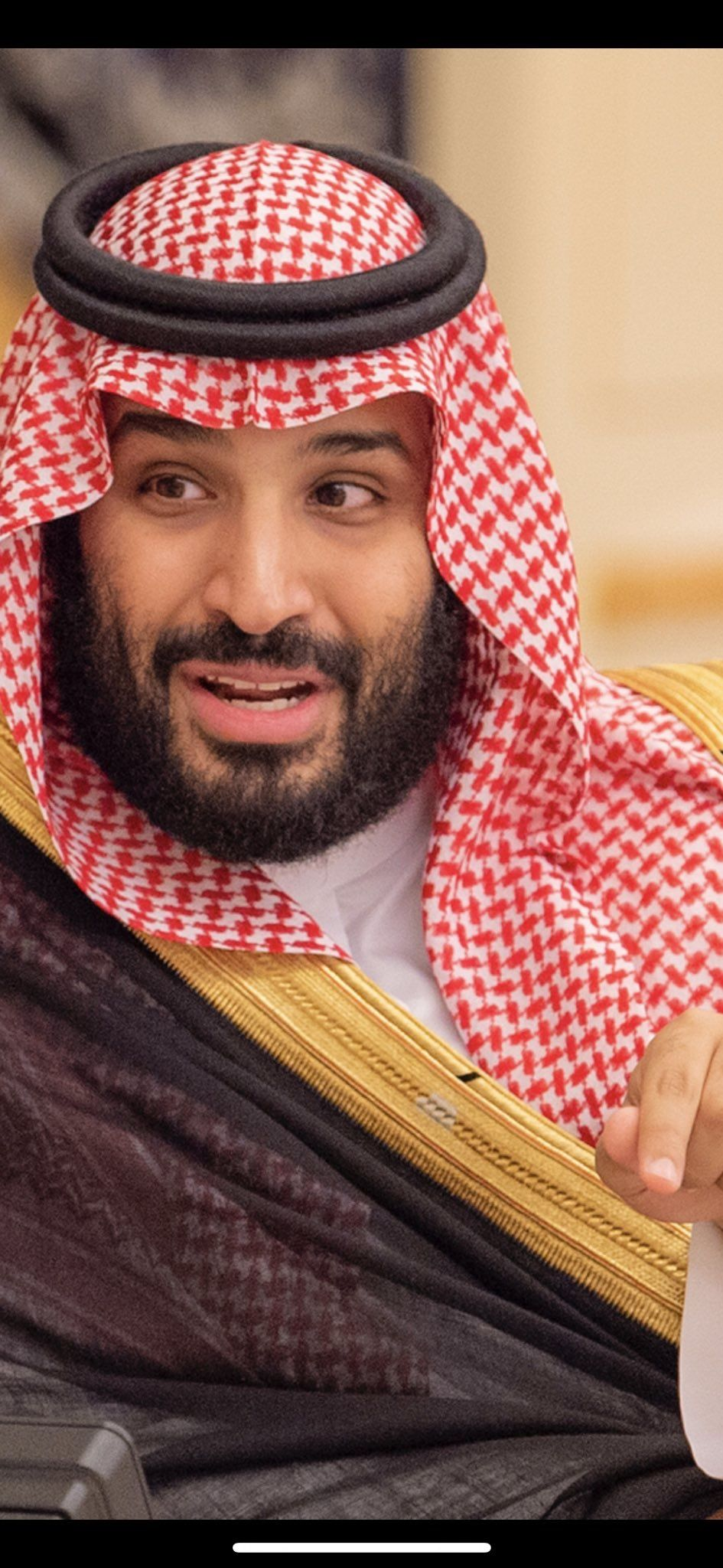Pin By Albdr On دام عزك ياوطن Queen Elizabeth Ii Queen Elizabeth Prince Mohammed