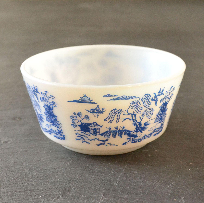 hazel atlas blue willow bowl pyrex friends pinterest bowls