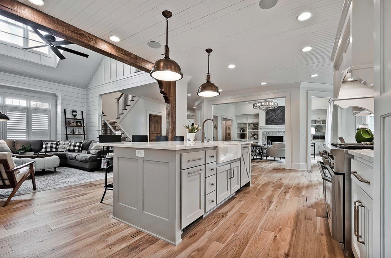 Best Welcoming Craftsman Style Home With Farmhouse Touches In 400 x 300