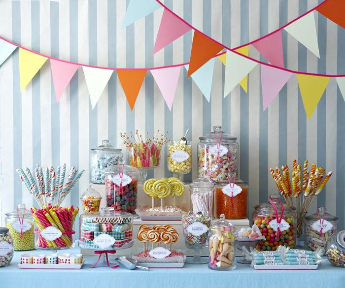 snoepjes in potten voor een feestje - Pinned by Idea Concept Design