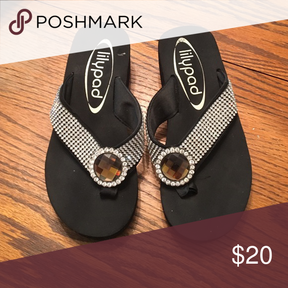 4a5d453251b410 Flip flops. Flip flops with rhinestones. Size 7. Great condition. Lilypad  Shoes Sandals