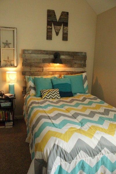 Make My Own Headboard diy: pallet headboard. love the comforter too.want to make my