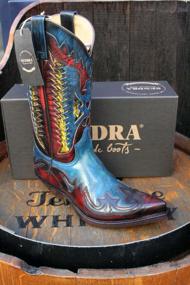 79559e95213d9 Image result for sendra black floral boots   Cool boots in 2019 ...
