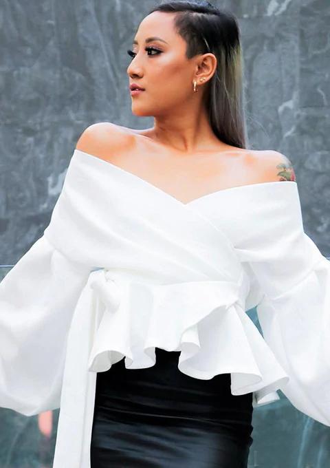6abe2702375d31 Color:White Style:Elegant Collar:V Neck Sleeve Length:Long Sleeve Material