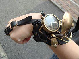 Steampunk-wristwatch 02.jpg