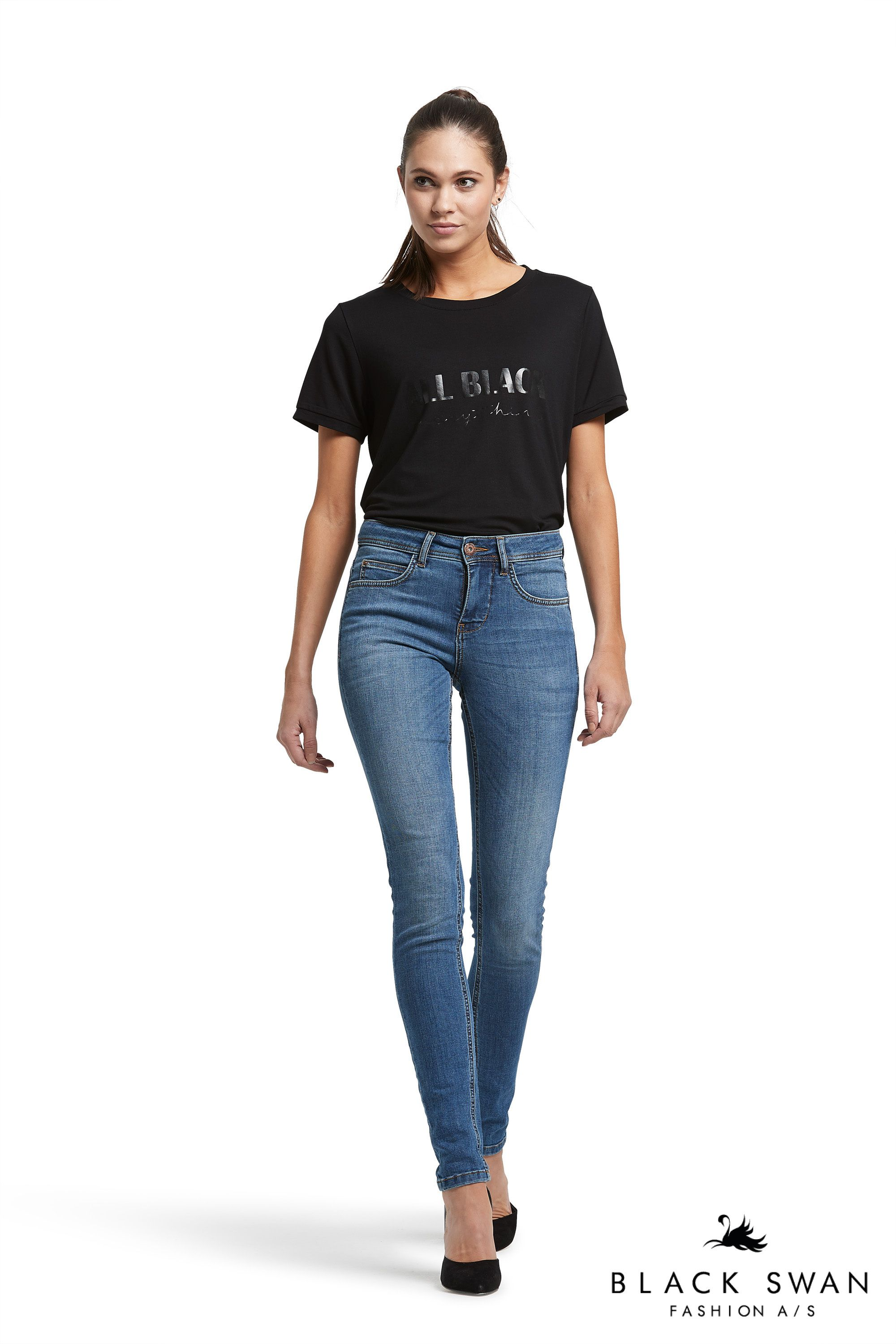 d1ee1e985a7 Justine tee with front print and Jade blue jeans
